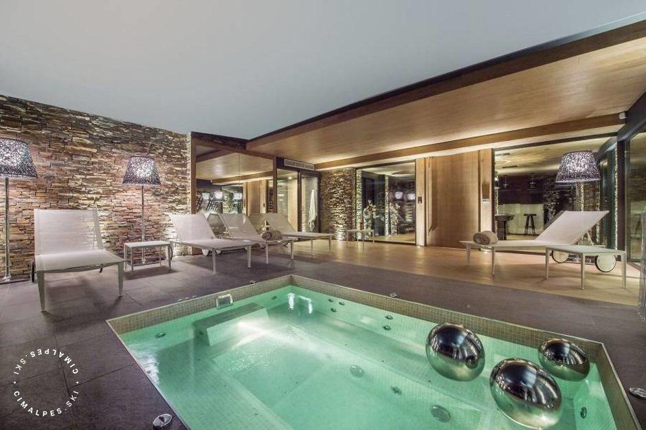 Piscine - Chalet Oveview - Courchevel Moriond